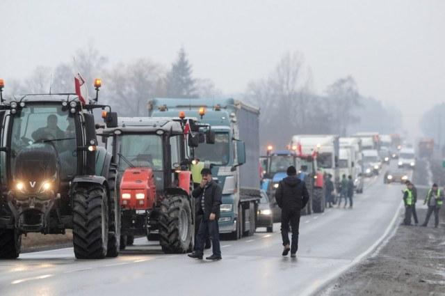 W styczniu ubiegłego roku rolnicy także blokowali drogi /Roman Zawistowski /PAP