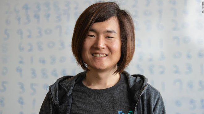 """""""Đây là giấc mơ của tôi từ ngày bé, giấc mơ đeo đuổi suốt tháng ngày, được phá kỷ lục đếm số Pi"""", Iwao nói."""