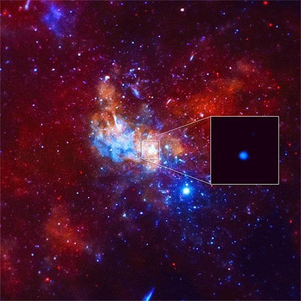 Lóe sáng bất thường từ hố đen Sgr A* được phát ra ở dạng tia X được ghi nhận lại.