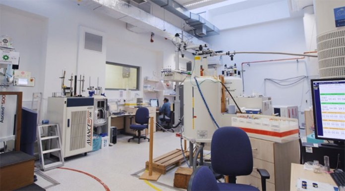 Phòng thí nghiệm hóa học tại Đại học Edinburgh, nơi thí nghiệm đã được diễn ra.