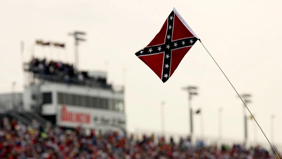 Photo of Racists Take Huge 'L' as NASCAR Bans Loser Flag