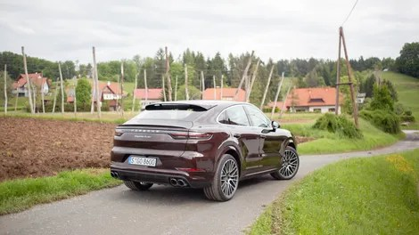 iglbc9cdt5qlzozlu77e - The 2020 Porsche Cayenne Coupe Doubles Down on Absurdity but It's Fun and Fast