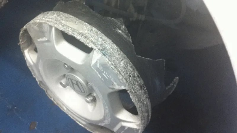 Can You Drive Car Flat Tire