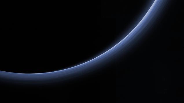 Nuova immagine dagli strati di manifestazioni di New Horizons in atmosfera del Plutone