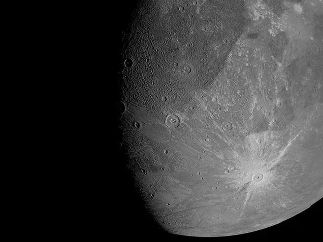 646386b55bed11a3feaa1f9e86e82c69 Here's What NASA's Probe Saw When It Flew Past Jupiter's Moon Ganymede   Gizmodo