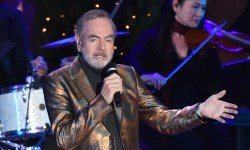 Neil Diamond pronounces that he's retiring from touring after Parkinson's analysis