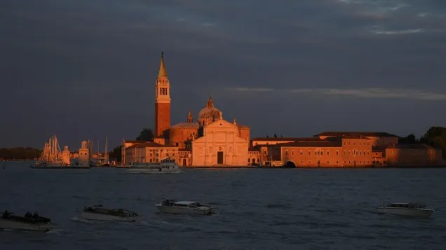 685c58f039077d82399173c561a1f7fe Archaeologists Find Ancient Roman Road in the Venetian Lagoon   Gizmodo