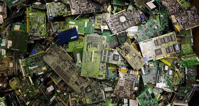 La sucia realidad de la basura electrónica en la UE: el 65% nunca se recicla