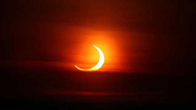 f69537a8498a88e82b579c6b4559d22b The 9 Best Photos of This Morning's Sunrise Eclipse | Gizmodo