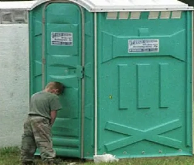 Illustration For Article Titled Would You Have Hot Sex In A Port A Potty
