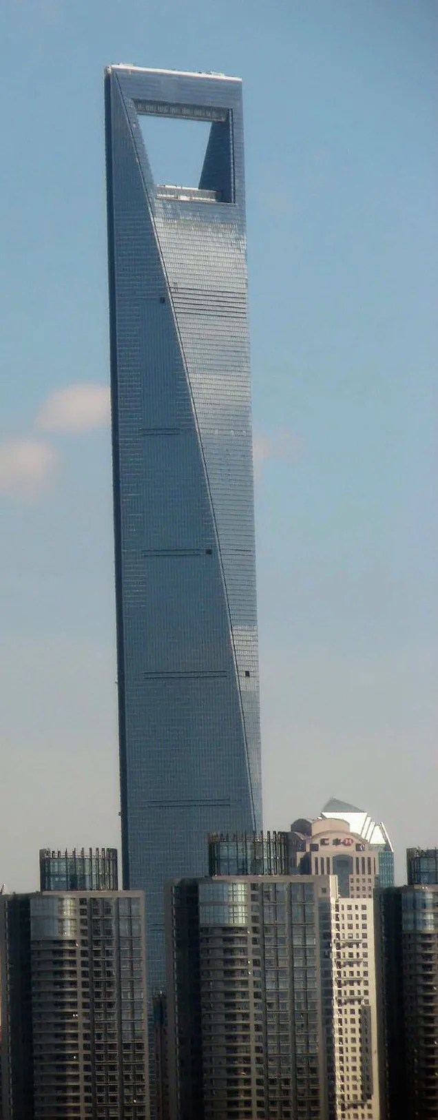 Crazy winds throw window cleaners for a scary swing ride on 91st floor
