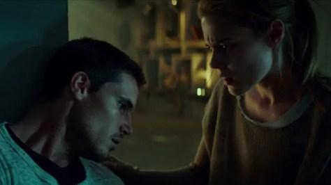 Robbie Amell & Rachael Taylor in de Netflix-film ARQ