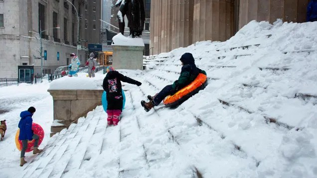 8955959f91ef180a85877a4a8dc95800 Zoom Claims Another Victim as NYC Schools Cancel Snow Days | Gizmodo