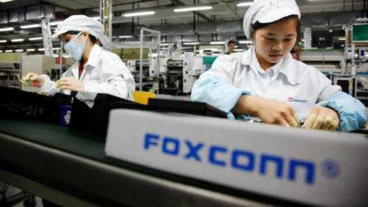 Foxconn-Employee-Steals-1-5-Million-in-iPhones-Before-Getting-Caught