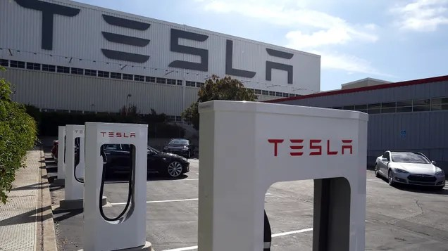 dxqyucp7cjsxcjewh2xa After Telling Staff That Working During Pandemic Was Voluntary, Tesla Reportedly Sent Termination Notices   Gizmodo