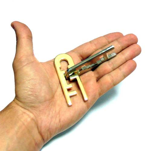 Cast Puzzle Keyhole