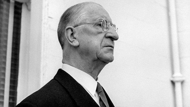 75-летний Имон де Валера становится премьером Ирландии в 1957
