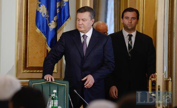 Президент Виктор Янукович подписал закон, который уводит в тень миллиарды долларов