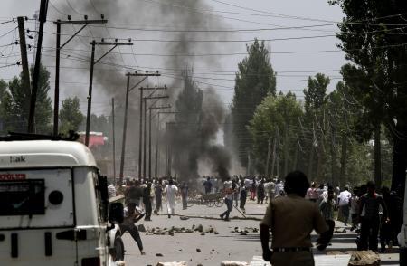 Hindistan'da çatışma çıktı