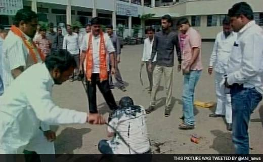 Shiv Sena Workers Attack RTI Activist With Iron Rod, Blacken His Face