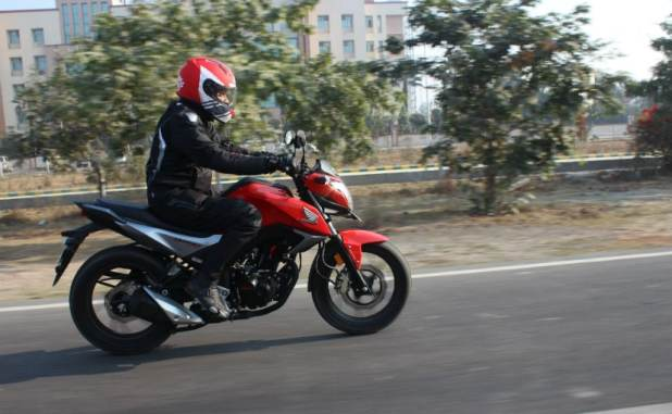 Honda CB Hornet 160R vs Suzuki Gixxer vs Yamaha FZ-S FI V2.0: Comparison Review 2016
