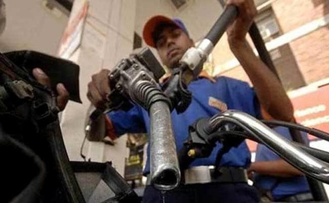 ...तो भारत में मिनरल वॉटर बोतल से भी कम होती पेट्रोल-डीजल की कीमत