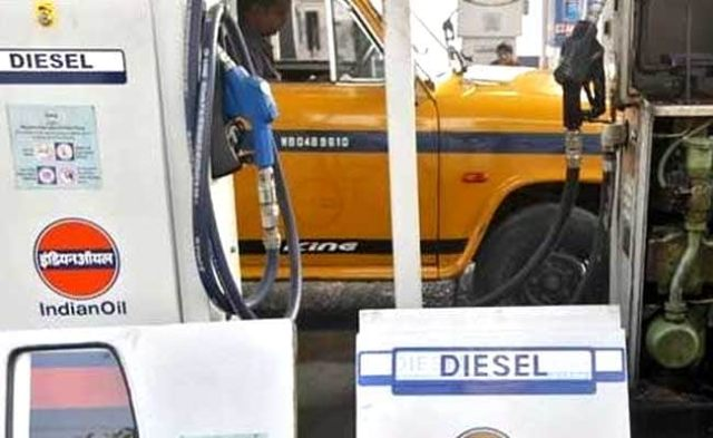 Petrol, Diesel Prices Kept Unchanged On Friday. Check Prices Here