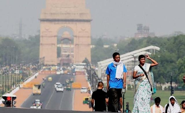 Delhi Records Maximum Temperature Of 39.7 Degrees