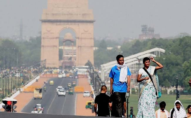 Delhi Records Hottest Day In March Since 1945 At 40.1 Degrees: Weather Office