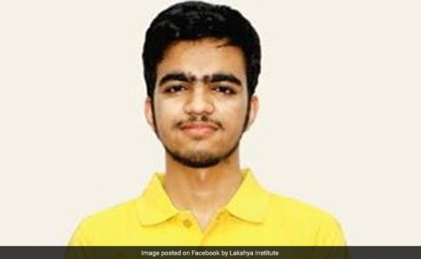 JEE Advanced 2017 Result: Sarvesh Mehtani From Chandigarh All India Topper, Pune's Akshat Chugh Second