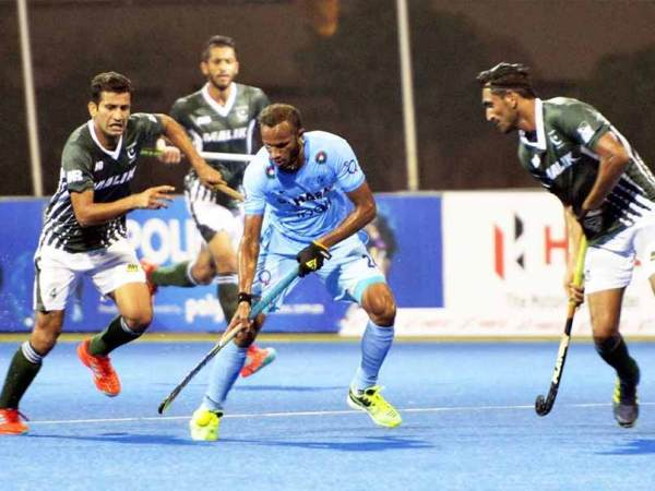Virender Sehwag Thanks Indian Hockey Team For Giving Early ...