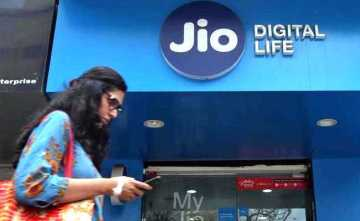 Running Out Of Mobile Data? Best Prepaid Plans Under Rs 500