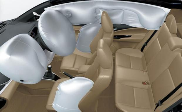 toyota yaris gets 7 airbags