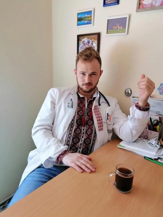 Виталий уверен, что заразился коронавирусом на работе