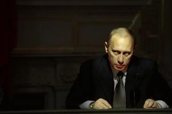 ЭТИ ФОТО ЗАПРЕЩЕНЫ В РОССИИ! Телка сосет у Путина и ...