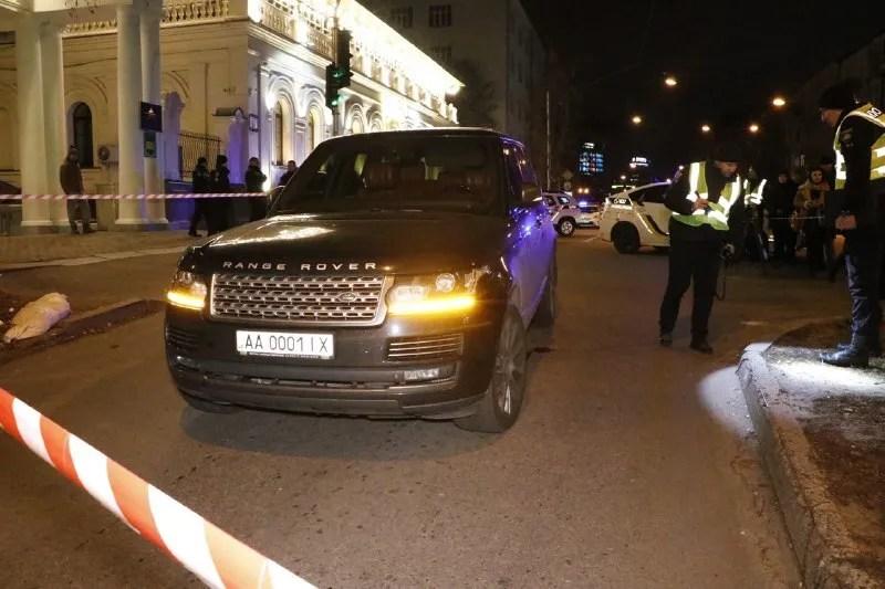 У центрі Києва обстріляли Range Rover і вбили дитину