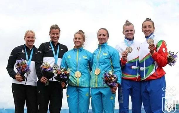 Марія Повх, Людмила Кукліновська – веслування. Перемога в заїзді на 200 метрів.