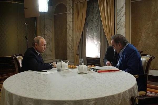Путін і Стоун