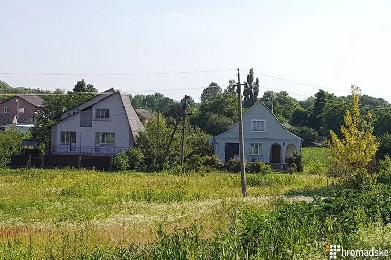 Будинок, звідки стріляли (праворуч)