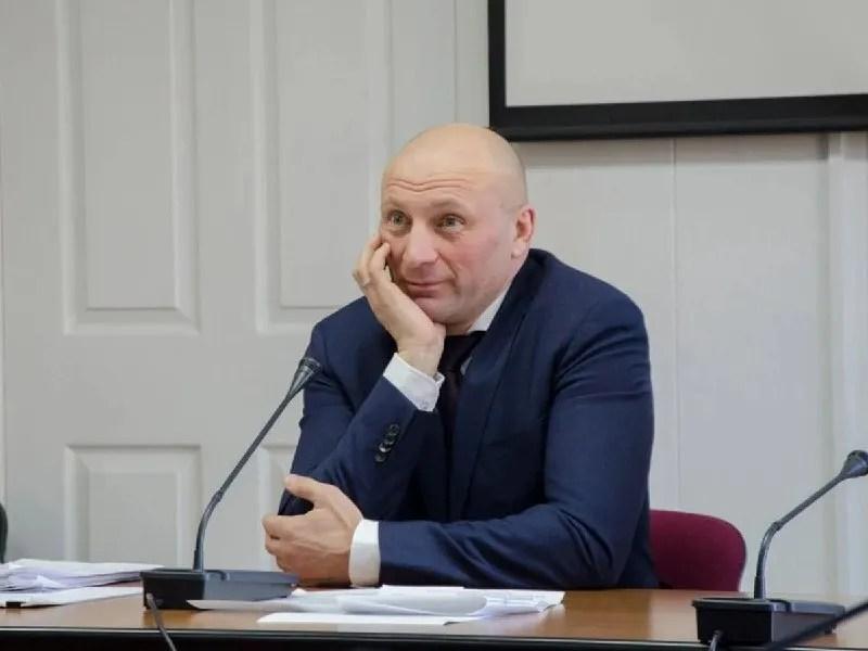 Мэр Анатолий Бондаренко отменил локдаун выходного дня