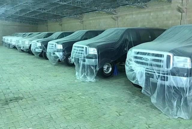 Покинутые внедорожники Ford