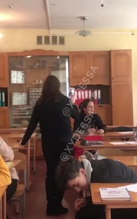 Учень розпорошив газовий балончик перед очима вчительки