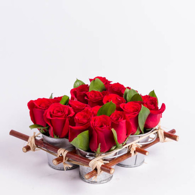 Red Roses Delivery   Send Red Rose Bouquets   Ode      la Rose     Mini Rose Tin Pail   Red