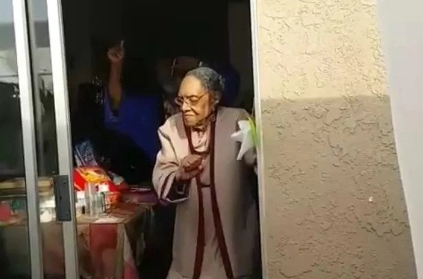 This great-grandma turned 100 and absolutely ROCKED to Bruno Mars (photos, video)