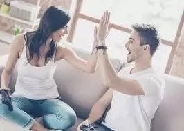 How To Progress From Platonic Friendship Into Romantic Relationship