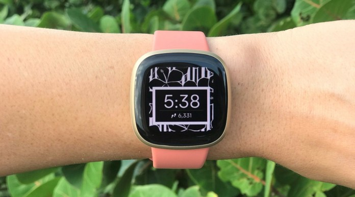 Fitbit Versa 3 Review Pcmag