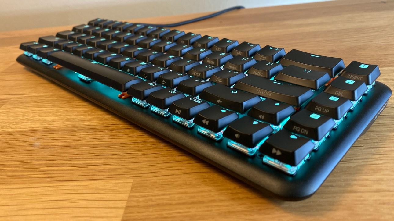 Игровая клавиатура Fnatic Streak65