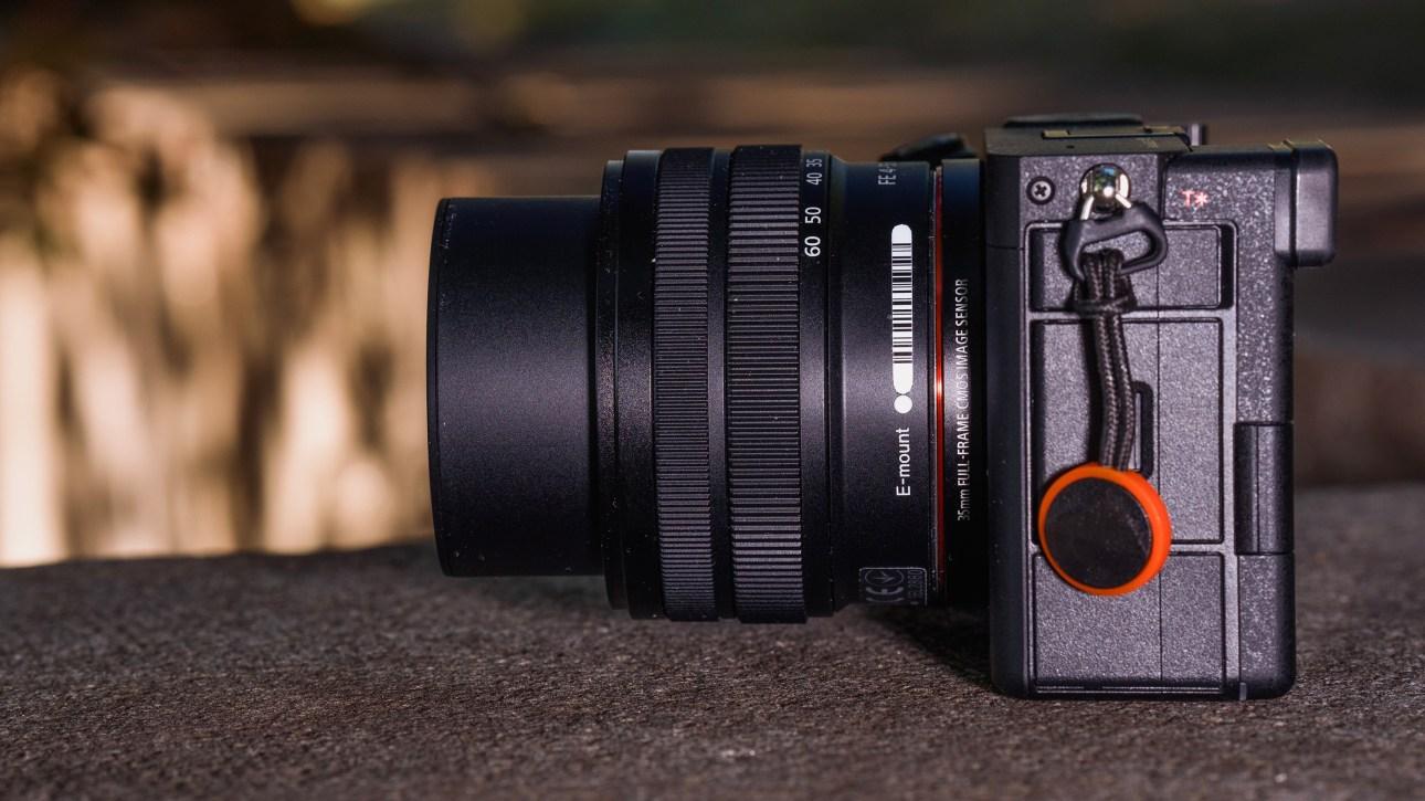 Sony FE 28-60 мм F4-5.6