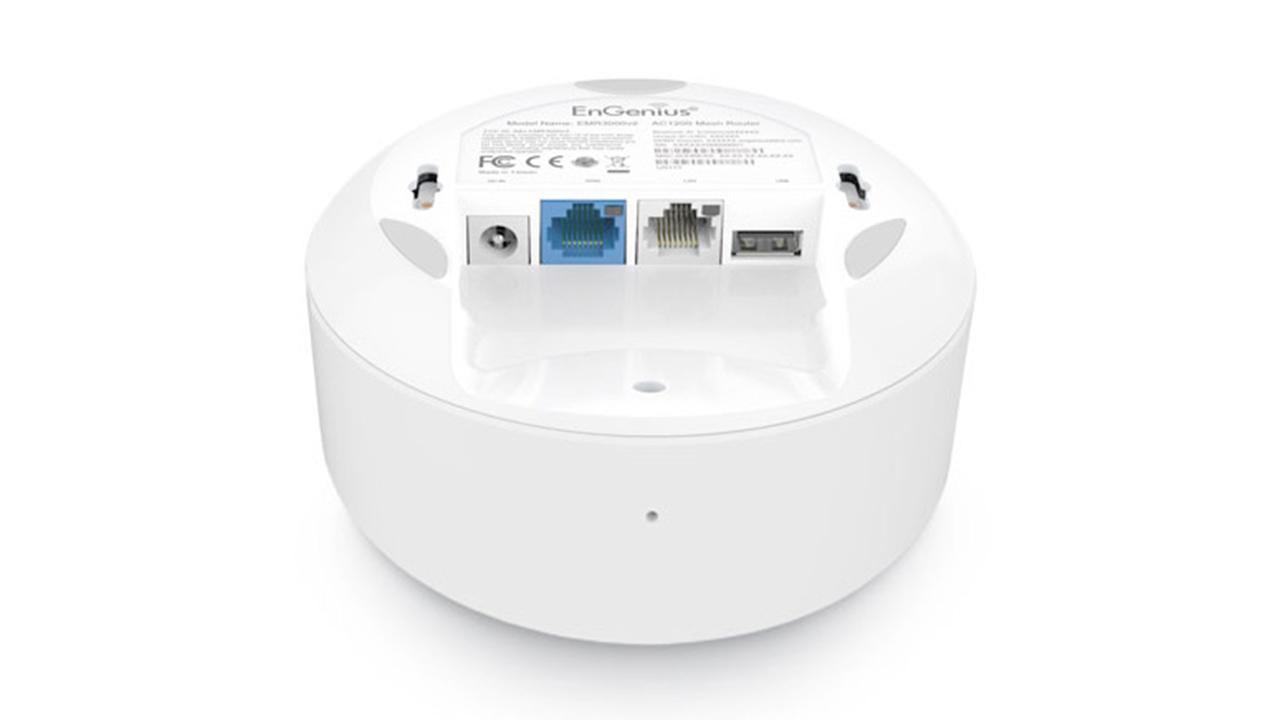 Трехдиапазонная система Wi-Fi для всего дома EnGenius (ESR580) внизу