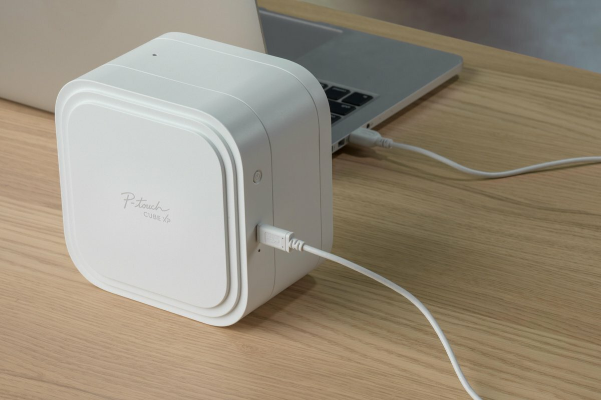 Brother P-touch Cube XP с USB-кабелем
